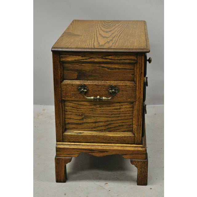 Metal Vintage English Colonial Miniature Oak Wood Small Campaign Chest Side Table For Sale - Image 7 of 10
