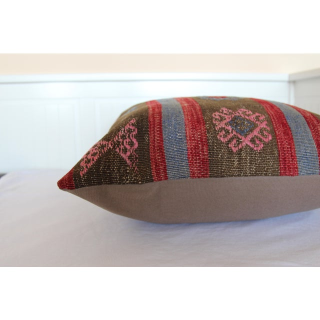 20 Inched Large Vintage Turkish Handmade Wool Large Pink Kilim Pillowcase For Sale - Image 5 of 7