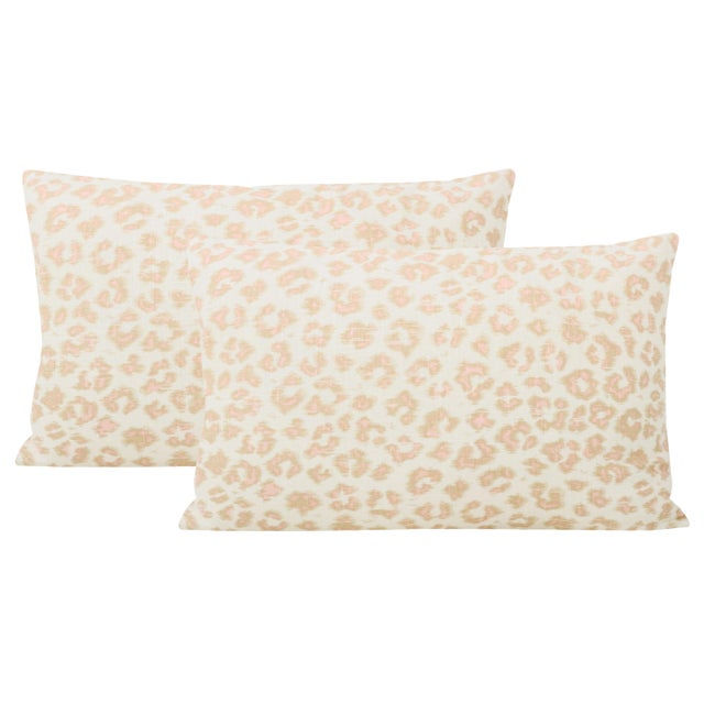 "2020s 12"" X 18"" Leopard Linen Blush Lumbar Pillows - a Pair For Sale - Image 5 of 5"