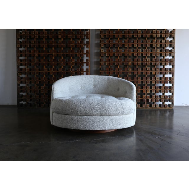 Mid-Century Modern Milo Baughman Large Swivel Lounge Chair for Thayer Coggin, Circa 1970 For Sale - Image 3 of 13