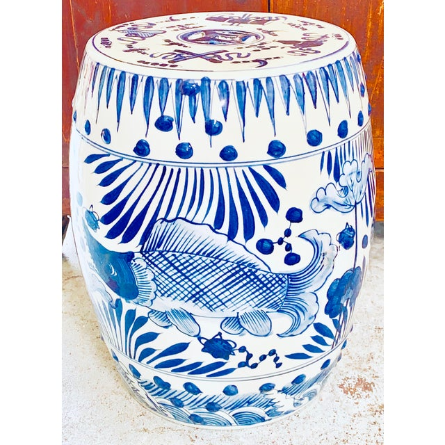 Chinoiserie Chinoiserie Porcelain Blue and White Garden Stool With Fish Design For Sale - Image 3 of 6
