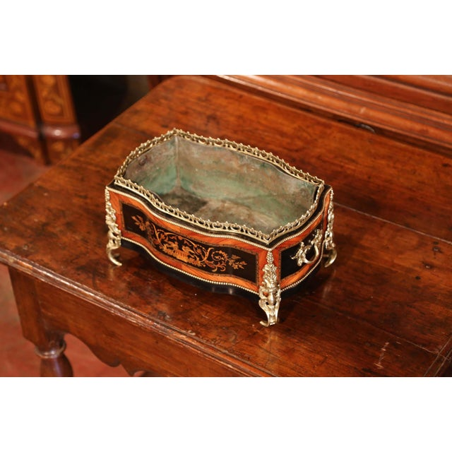 French 19th Century French Napoleon III Rosewood Planter With Marquetry & Bronze Decor For Sale - Image 3 of 10
