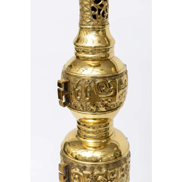 Hollywood Regency Brass Table Lamp in the Style of James Mont - Image 6 of 9