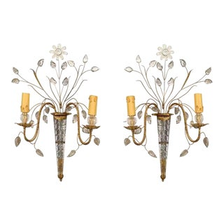 French 1940s Glass and Gilt Wall Sconces Attributed to Baguès - a Pair For Sale