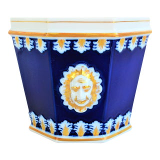Vintage Mottahedeh Cobalt & White Neoclassical Cachpot For Sale