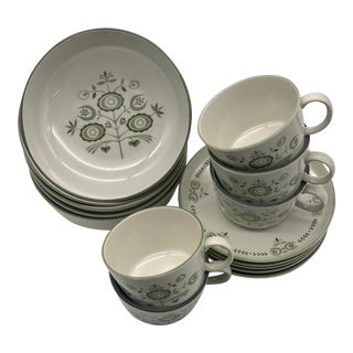 Franciscan Heritage Mid-Century Bowl, Cup and Saucers - Set of 15 For Sale