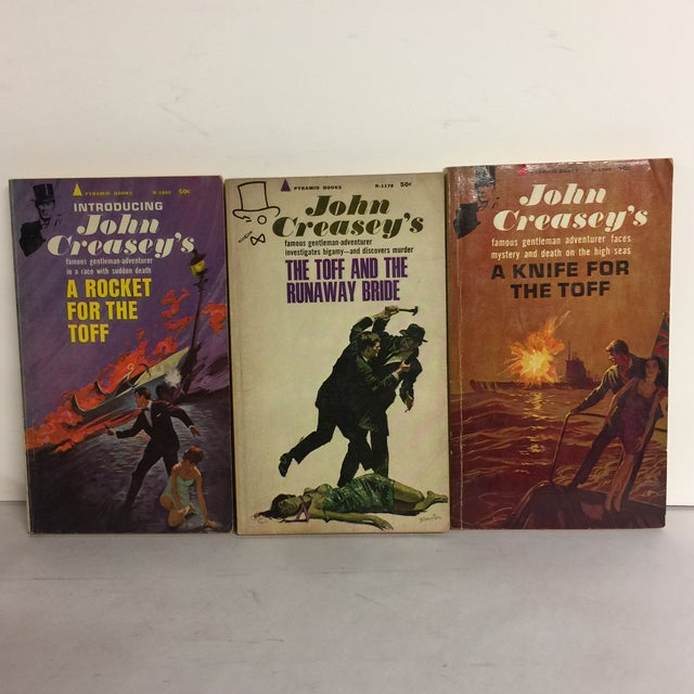 This is a vintage set of three mysteries written by John Creasey in the 1960s about the Toff (London slang for aristocrat)...