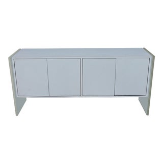 1960s Mid Century Modern White Malamine/Lucite Sideboard/Credenza For Sale
