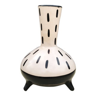 Black and White Peruvian Vase by Matthew Ward For Sale