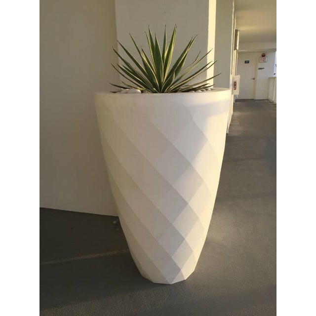 Vondom White Faceted Planter - Image 2 of 3