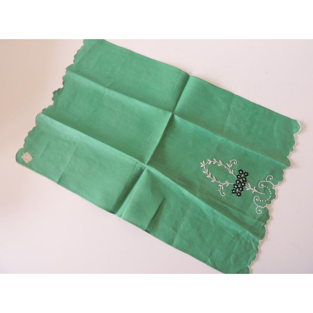 Traditional Vintage Green and White Embroidered Bathroom Guest Towel For Sale - Image 3 of 5