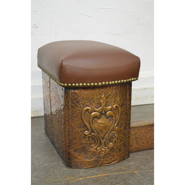 Antique English Arts & Crafts Hammered Copper Fireplace Fender w/ Leather Seats For Sale - Image 5 of 10