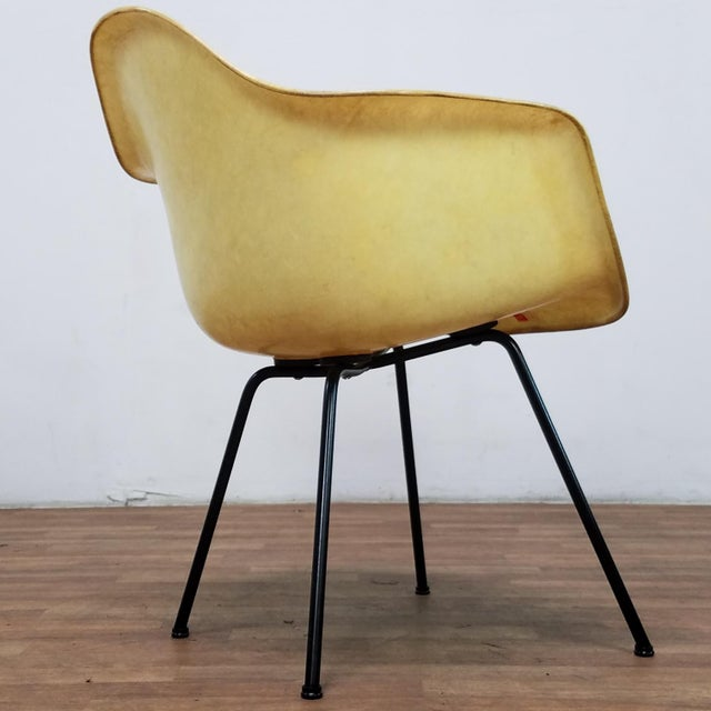 1950s Danish Modern Charles & Ray Eames for Zenith Plastics Fiberglass Chair For Sale In Los Angeles - Image 6 of 13