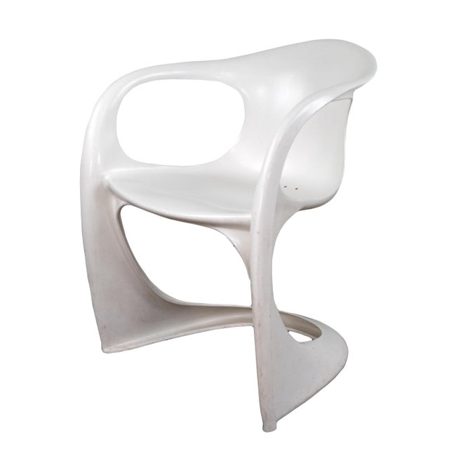 A molded sculptural soft white colored Casalino chair made of automobile strength plastic. A great 1970s design from the...