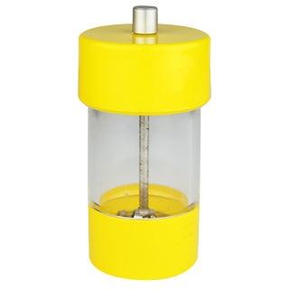 Mid-Century Modern Wm Bounds Yellow Plastic Salt & Pepper Grinder For Sale
