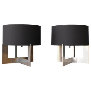 Mid-Century Modern Table Lamp on Steel Base, Italy, 1970s - a Pair For Sale
