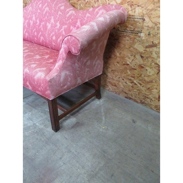 Antique Chippendale Camelback Marlboro Leg Sofa For Sale In Philadelphia - Image 6 of 8