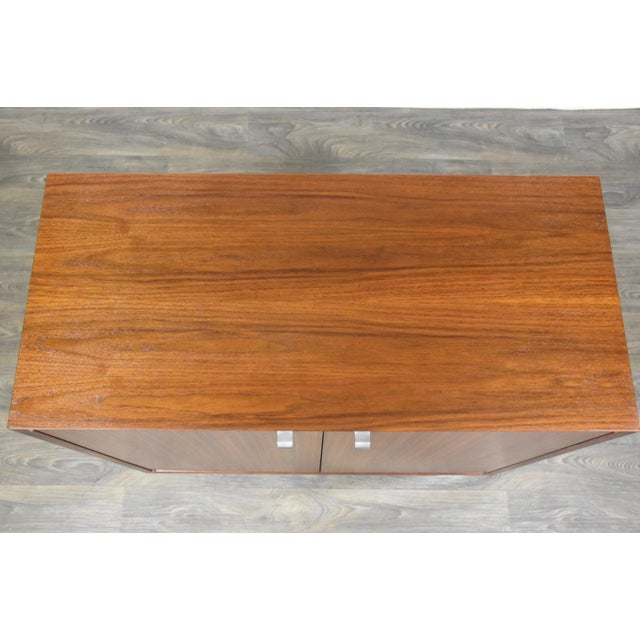1950s 1950s George Nelson for Herman Miller Walnut Cabinet Credenza For Sale - Image 5 of 11