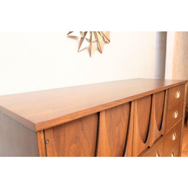 Mid-Century Modern Broyhill Brasilia Magna Dresser For Sale In San Francisco - Image 6 of 7
