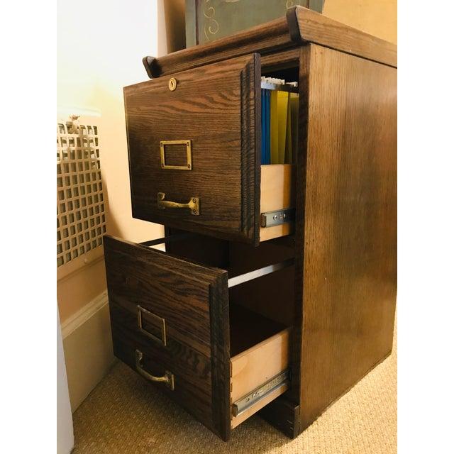 Oak Raised Side & Brass Detail 2-Drawer File Cabinet For Sale In Nashville - Image 6 of 9