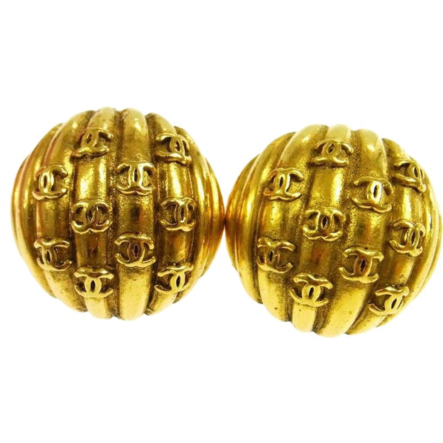 Chanel Vintage Gold Charm Evening Stud Earrings For Sale