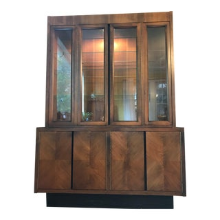 1970s Mid-Century Modern Lane Lighted China Cabinet For Sale