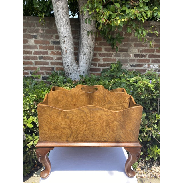 1980s Baker Furniture Queen Anne Burl Wood and Mahogany Magazine Rack For Sale - Image 13 of 13