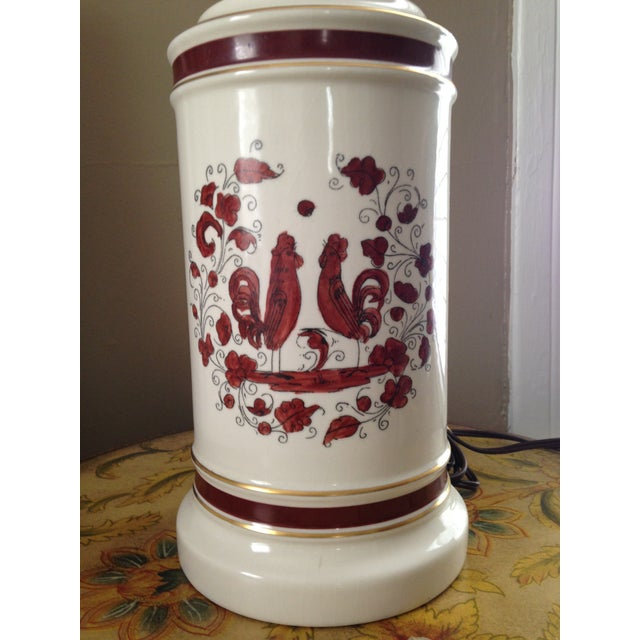 White & Red Ceramic Rooster Table Lamp - Image 3 of 5