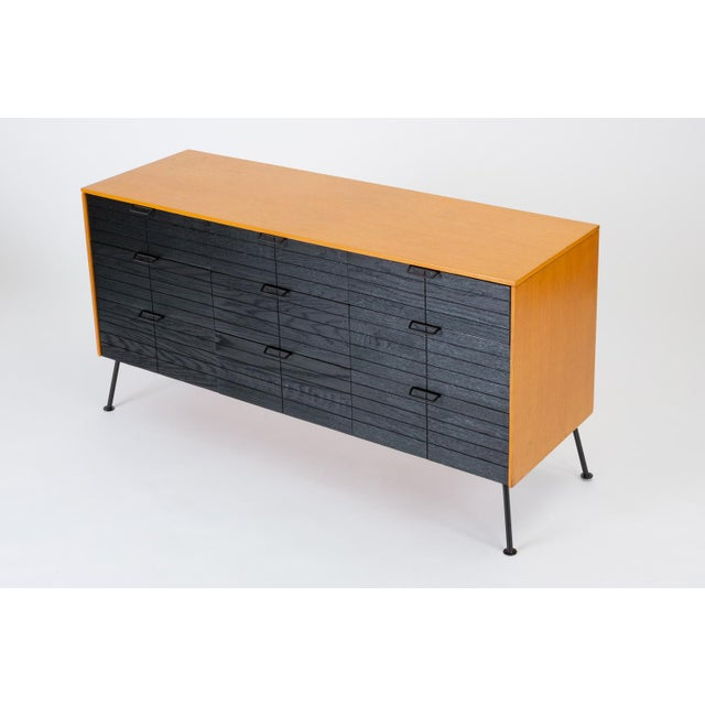 """1950s Raymond Loewy's """"Accent"""" Line Nine-Drawer Dresser for the Mengel Company For Sale - Image 5 of 13"""