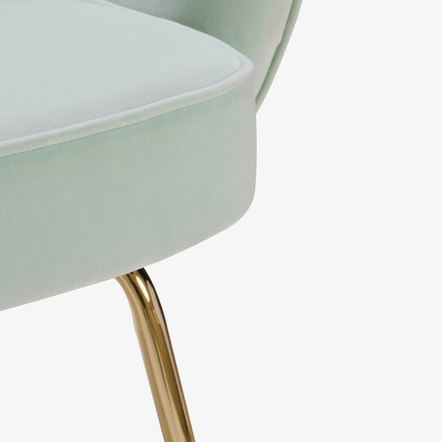 Saarinen Executive Arm Chairs in Mint Velvet, 24k Gold Edition - Set of 6 - Image 10 of 10