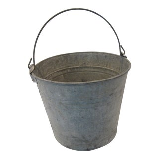 Primitive Farmhouse Galvanized Aluminum Grain Pail With Metal Handle For Sale