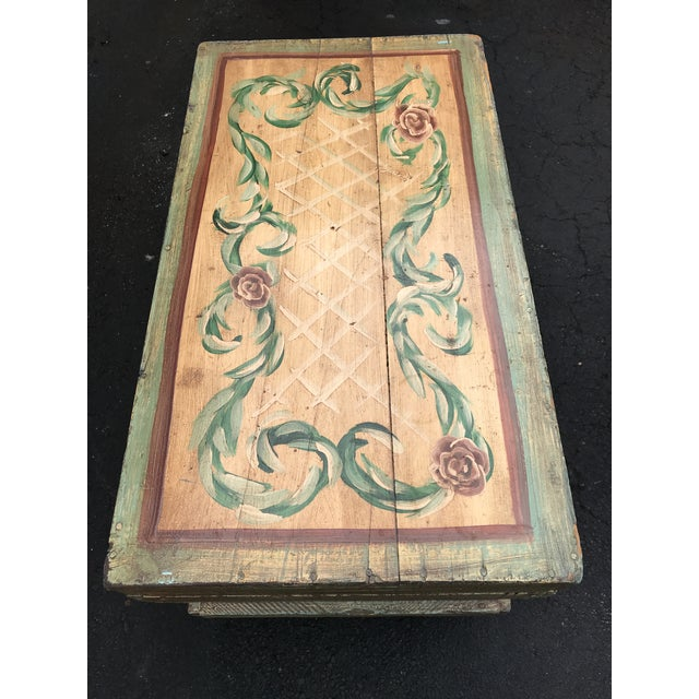 Traditional 18th Century Traditional Hand-Painted Beige Trunk For Sale - Image 3 of 7