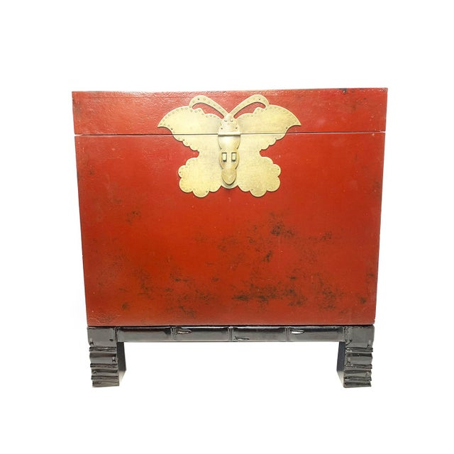 Metal 1940s Chinese Red Lacquer Wooden Trunk For Sale - Image 7 of 7