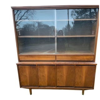 1960s Mid Century Credenza By Stanley Furniture For Sale