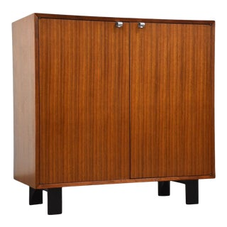 1950s George Nelson for Herman Miller Walnut Cabinet Credenza For Sale