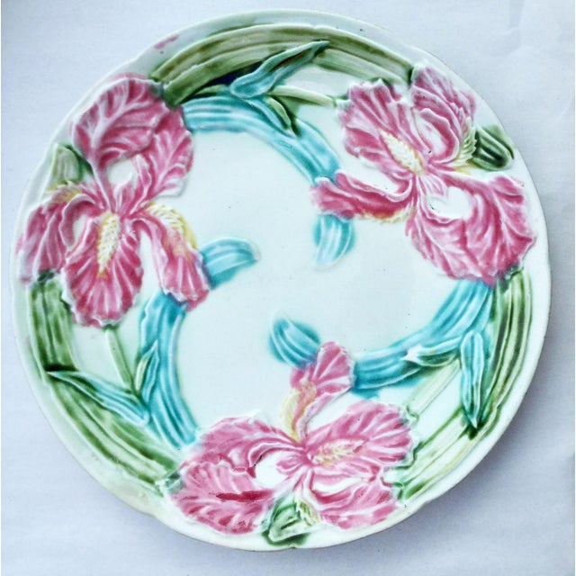 Farmhouse Early 20th Century Majolica Onnaing Pink Iris Plate For Sale - Image 3 of 3