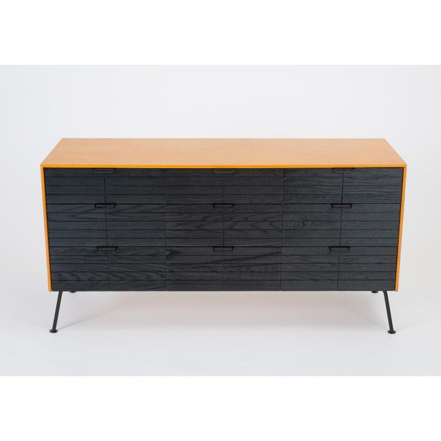 """Danish Modern Raymond Loewy's """"Accent"""" Line Nine-Drawer Dresser for the Mengel Company For Sale - Image 3 of 13"""