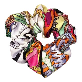 Hermes Handmade Vintage Silk Scarf Scrunchie in White, Black, and More Multicolors For Sale
