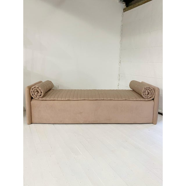 Art Deco John Saladino Blush Chaise For Sale - Image 3 of 11