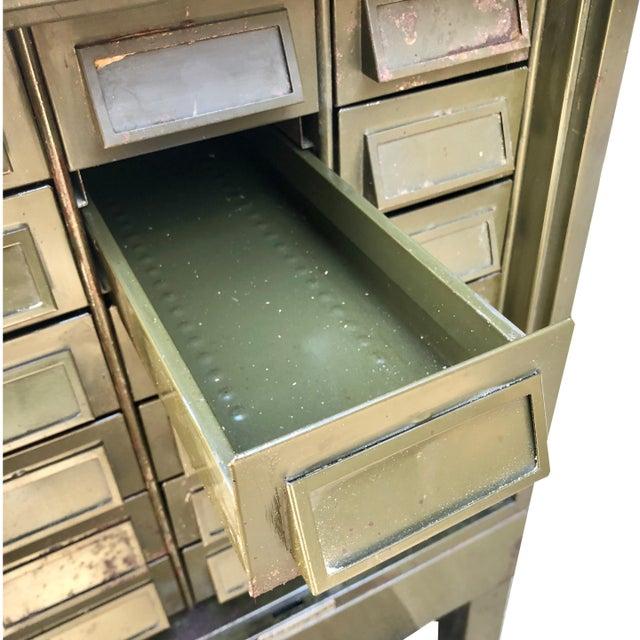 Vintage Industrial Addressograph Steel Metal 18-Drawer Catalogue File Cabinet For Sale - Image 6 of 10