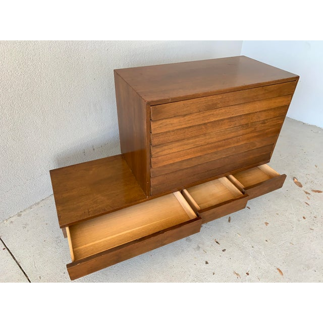 Mid 20th Century Vintage Mid-Century American of Martinsville Dania Modular Bench & Chest of Drawers For Sale - Image 5 of 12