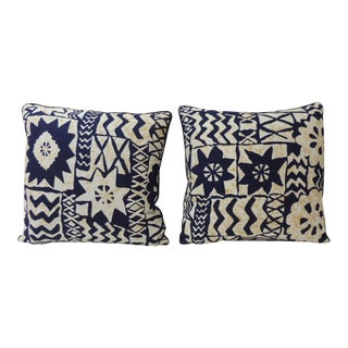 Pair of Vintage Blue and White Printed African Decorative Pillows For Sale