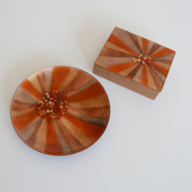 Design 'Bovano of Cheshire' Mid-Century Modern Enamel Over Copper Sunburst Design Tray and Box Set For Sale - Image 4 of 8