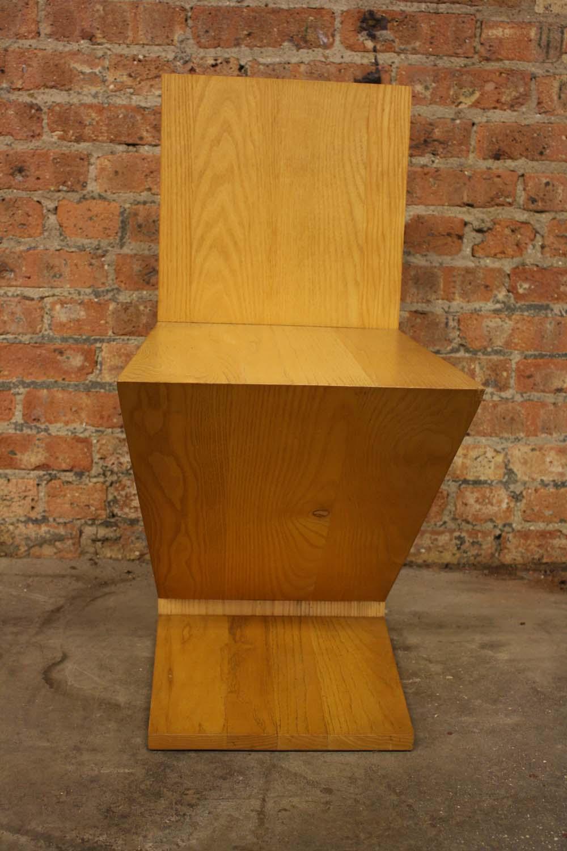 Gerrit Rietveld Zig Zag Chair   Image 4 Of 9