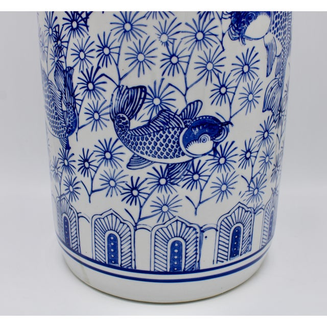 Vintage Blue and White Chinese Porcelain Umbrella Stand For Sale In Tulsa - Image 6 of 13