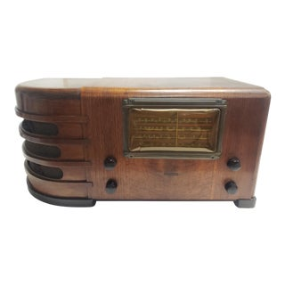 1939 Art Deco Radio. Garod Radio Corp, Brooklyn NY Model # 4124. For Sale