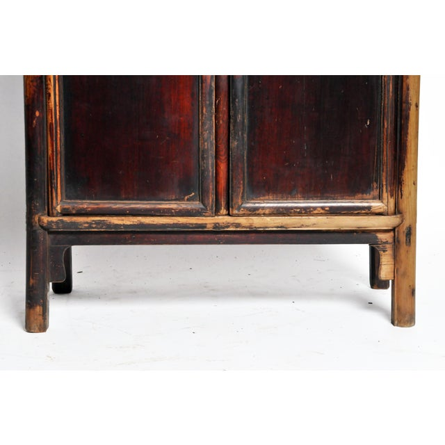 Tan 17th Century Qing Dynasty Round Post Chest With Two Drawers and Original Patina For Sale - Image 8 of 13