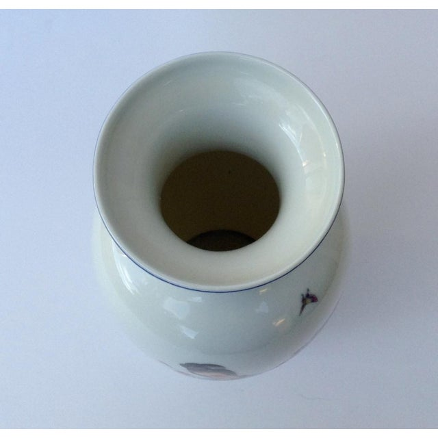 1950s Vintage Japanese Porcelain Kutani Ceremonial Greek Key Vessel, Vase For Sale - Image 5 of 11