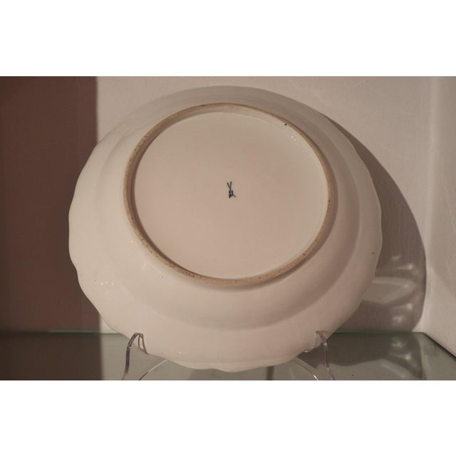 Mid-Century Modern 18th Century Porcelain Plate Signed Meissen With Kakiemon Decoration, 1740s For Sale - Image 3 of 13