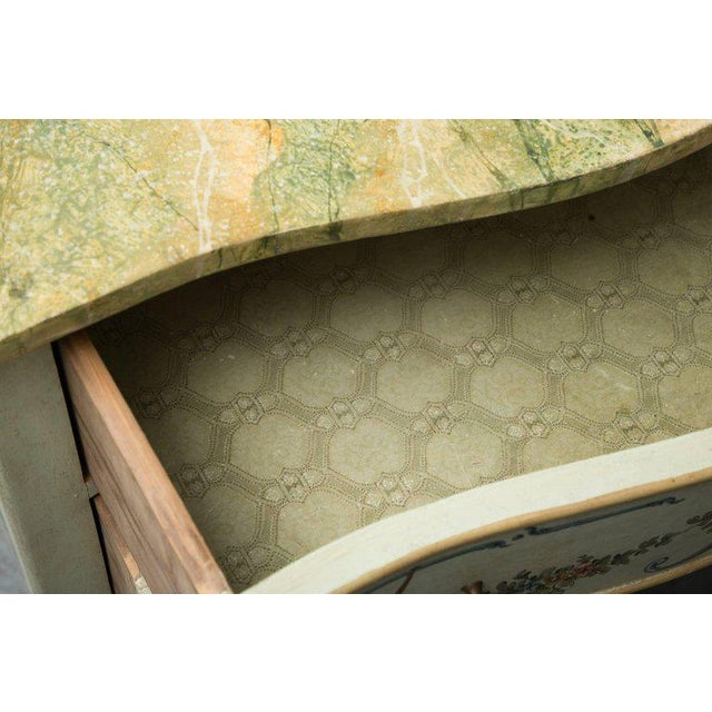 Early 20th Century Venetian Hand-Painted Serpentine Commode For Sale - Image 5 of 10